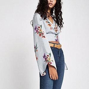 Crop top à fleurs gris drapé à manches kimono