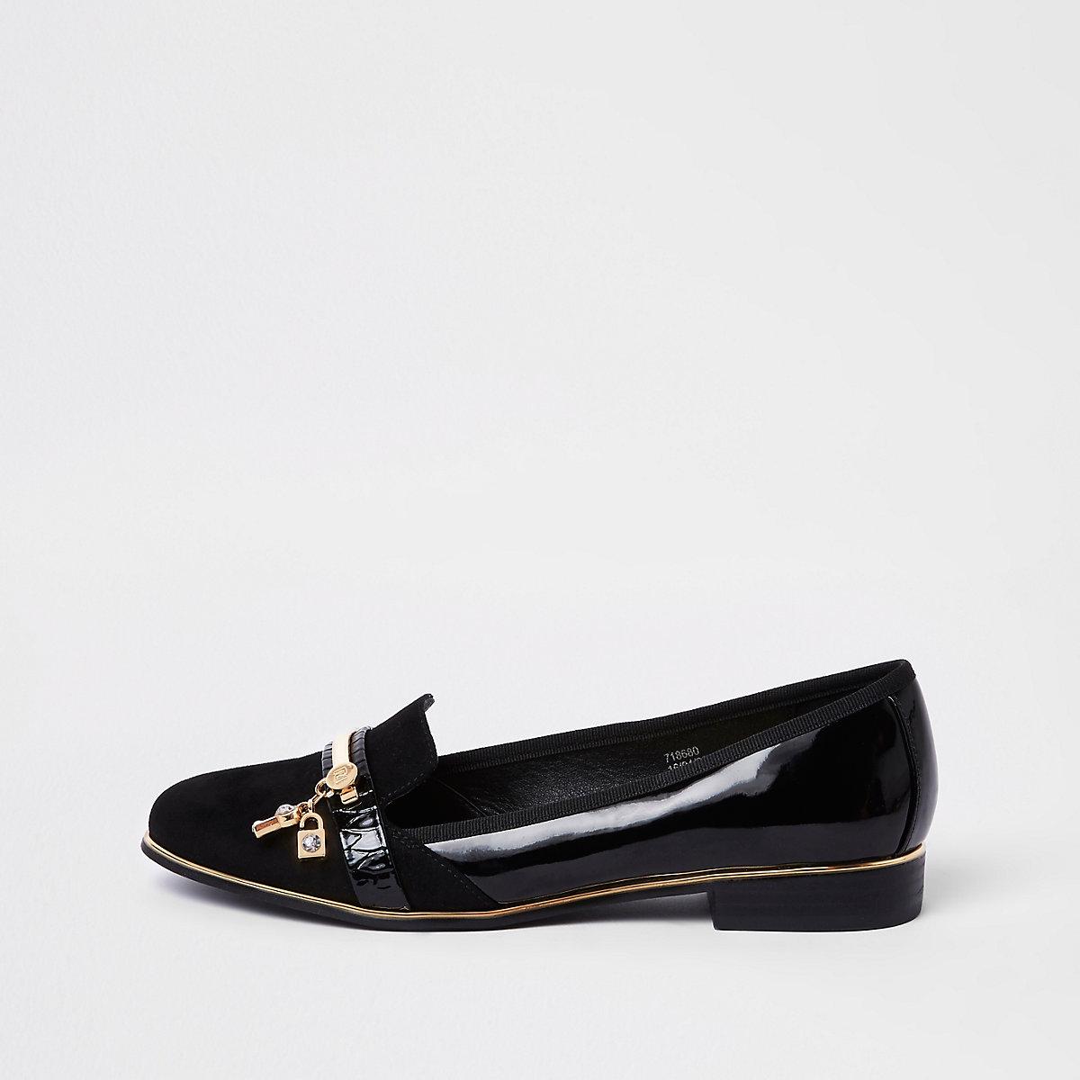 Zwarte lakleren loafers met slot en sleutel