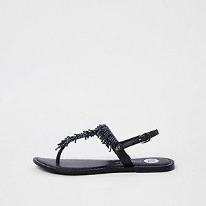 Schwarze Sandalen mit Perlenstickerei