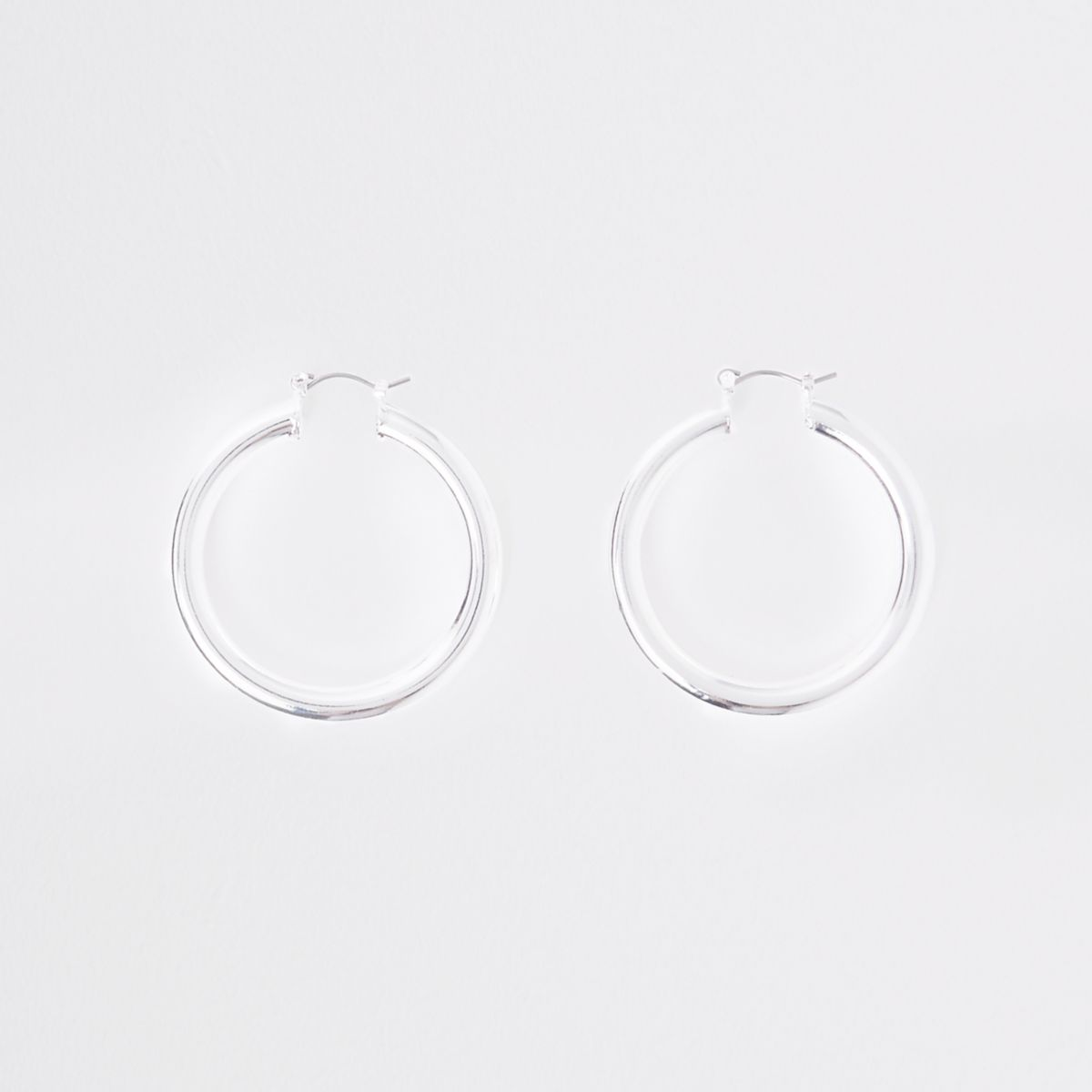 Silver tone chunky round hoop earrings