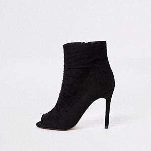 Zwarte schoenlaarzen van imitatiesuède met open teen