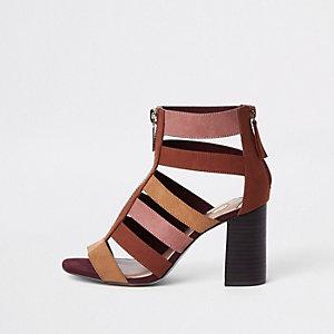 Chaussures colour block beige à talon carré effet cage