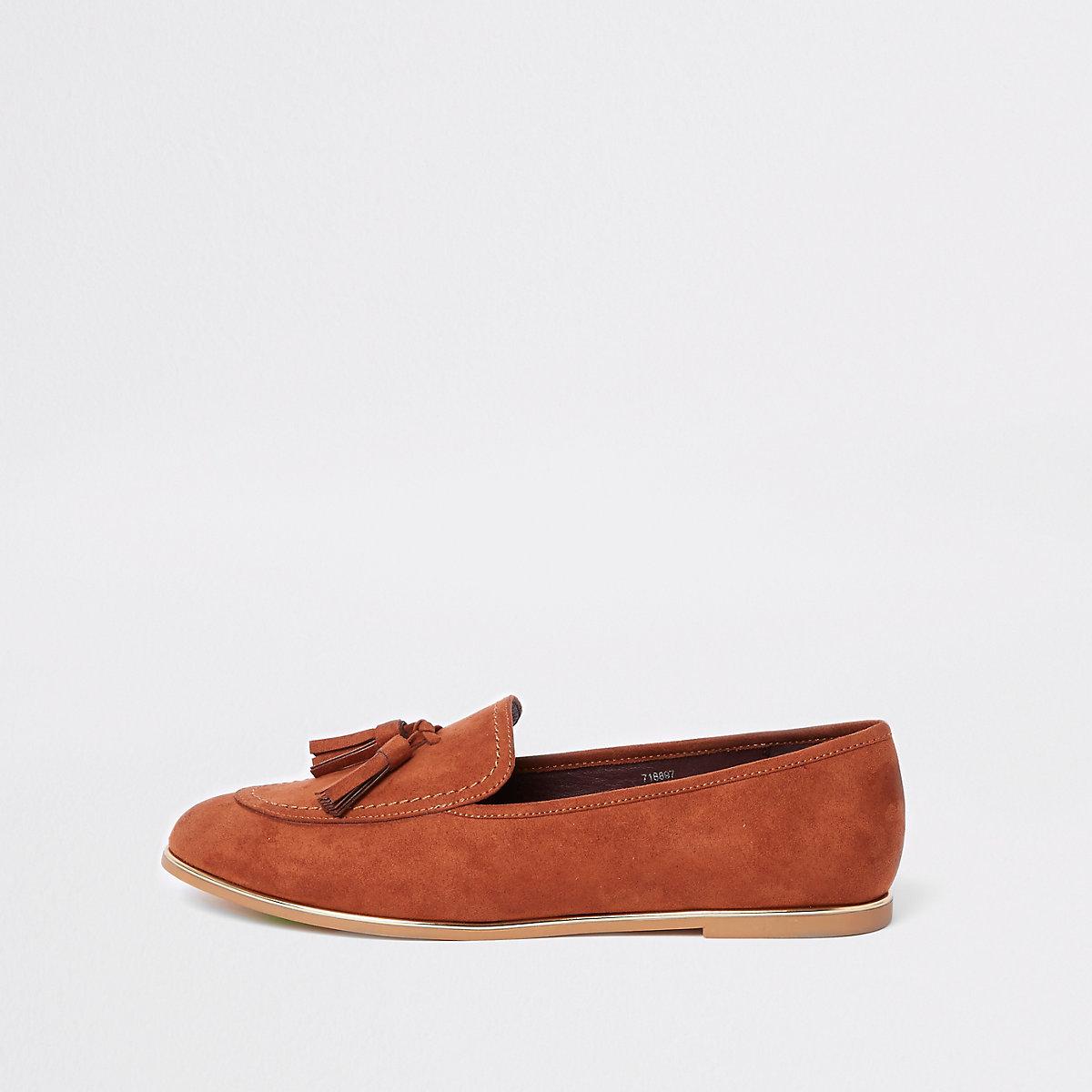 Beige gold tone trim tassel loafers