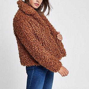Bruine klokkende jas met imitatiebont