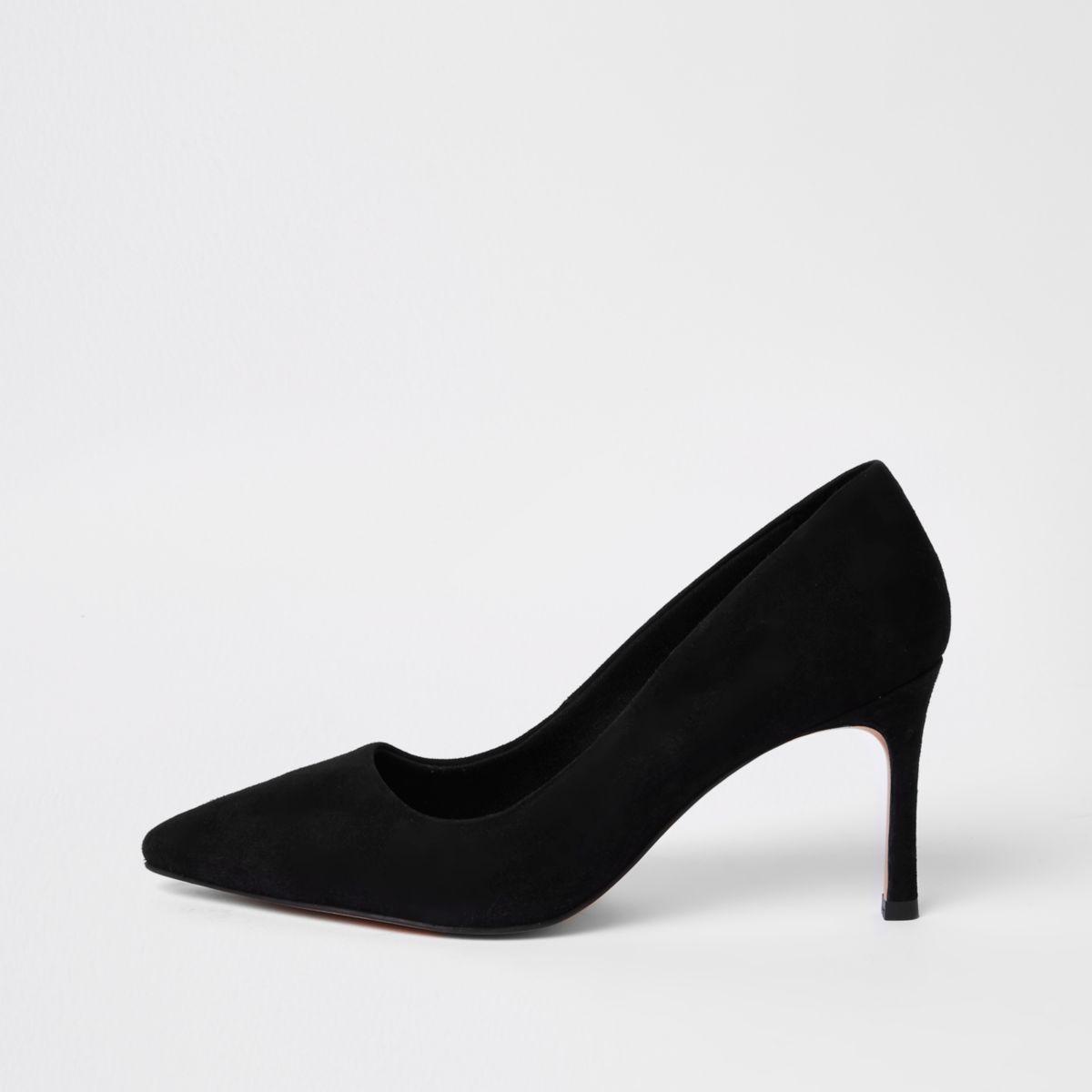 Black suede pointed pumps