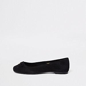 Schwarze Loafers aus Wildleder