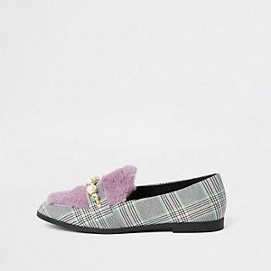 Grau karierter Kunstfell-Loafer