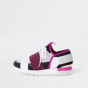 Grey elastic lace-up runner sneakers