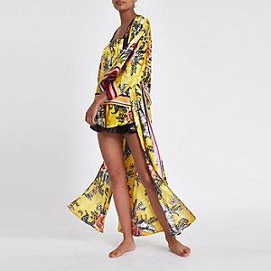 Gele gebloemde lange kimono-ochtendjas