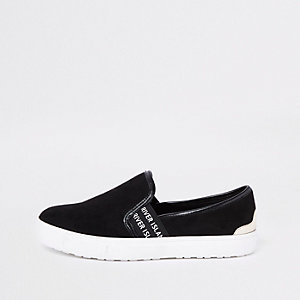 Black RI branded slip on plimsolls