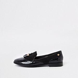 Zwarte lakschoenen met kwastjes en brede pasvorm