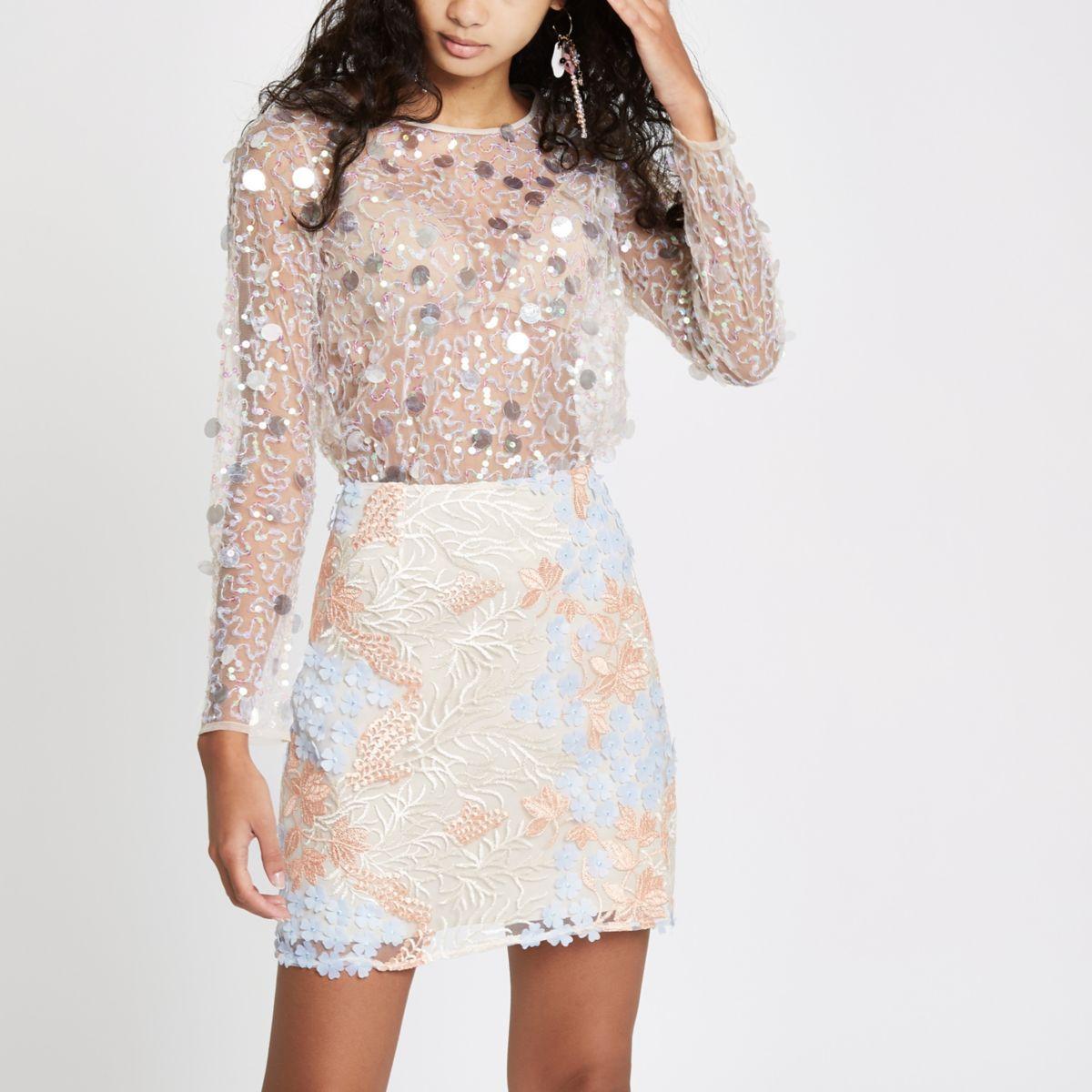 Pink flower embellished mini skirt