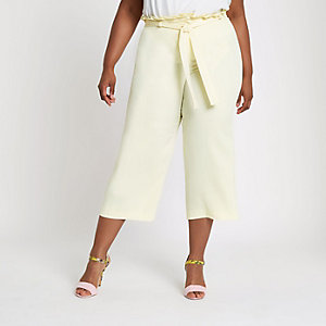 Plus – Pantalon large jaune à taille haute ceinturée