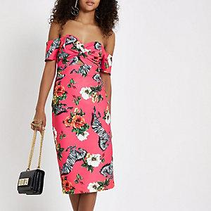 Robe rose moulante style Bardot à imprimé zèbre