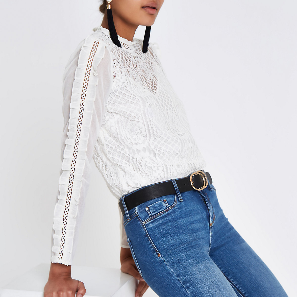 White lace ruffle long sleeve top