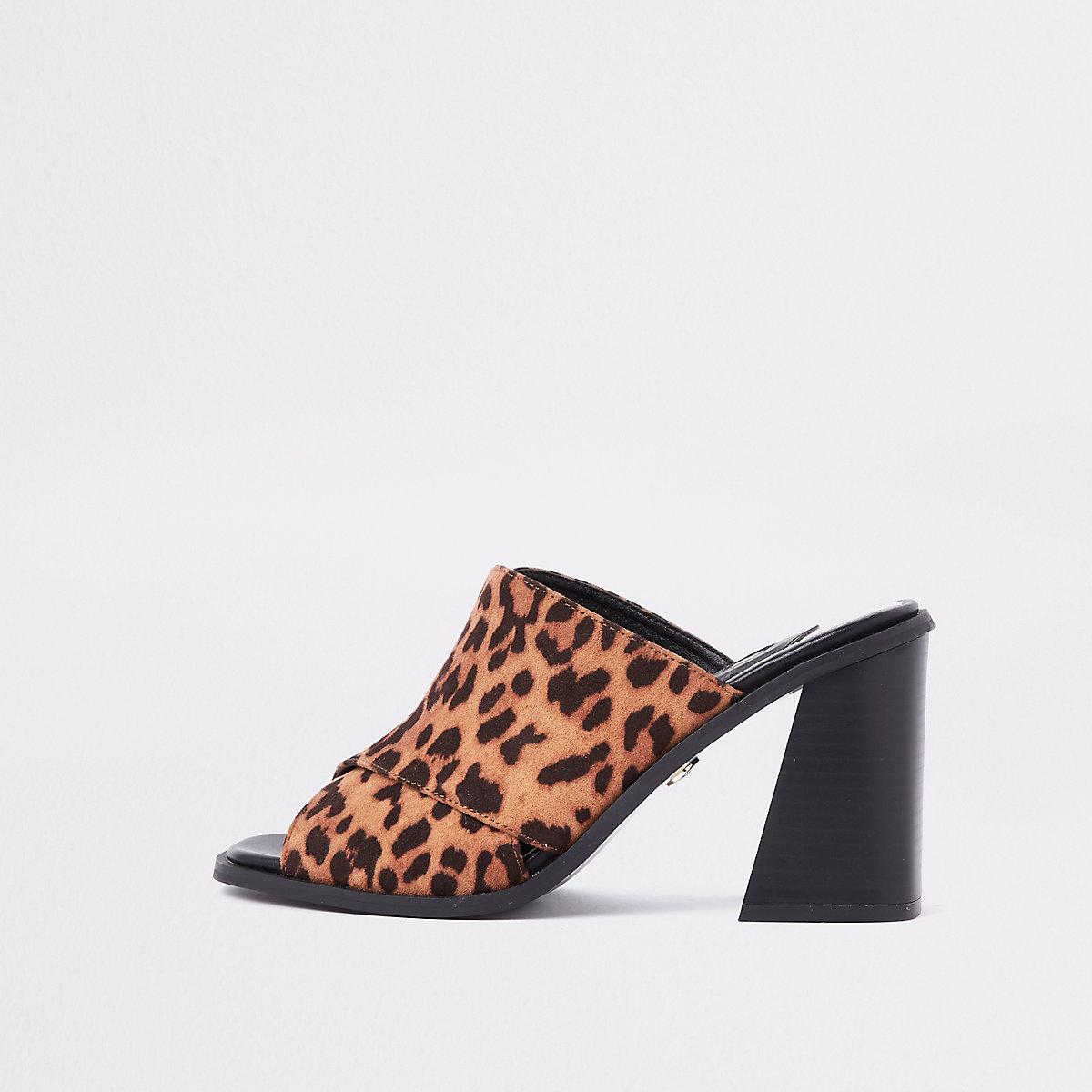 Sandales type mules marron imprimé animal à talons carrés