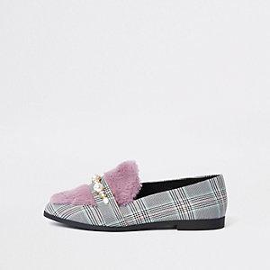 Grijze geruite loafers met imitatiebont en brede pasvorm