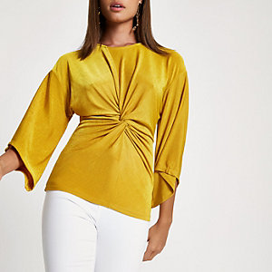 Dark yellow knot front top