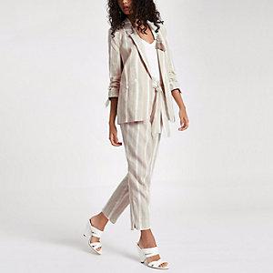 Pantalon fuselé rayé marron noué à la taille