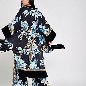 Kimono en satin à fleurs bleu marine
