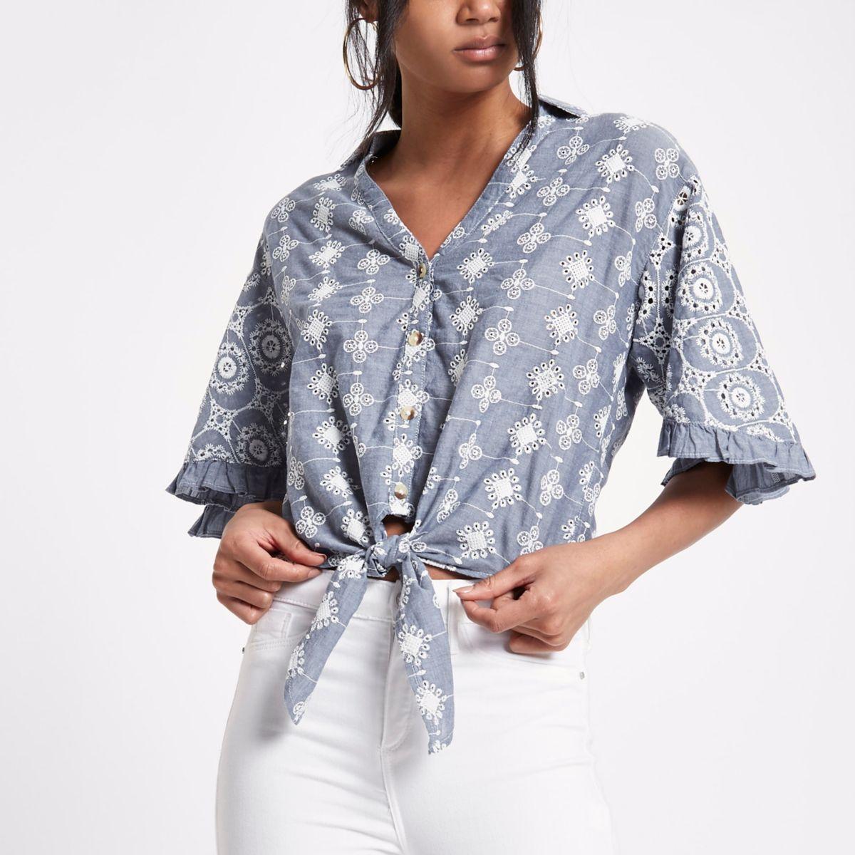 Blauw geborduurd kort overhemd met strik voor