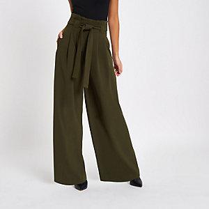 Hose in Khakigrün mit weitem Bein