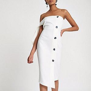 Robe bandeau ajustée blanche à boutons avec manche nouée