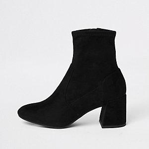 Zwarte laarzen van imitatiesuède met blokhak