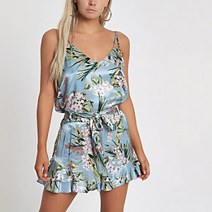 Petite – Blaue Shorts mit Blumenprint und Rüschensaum