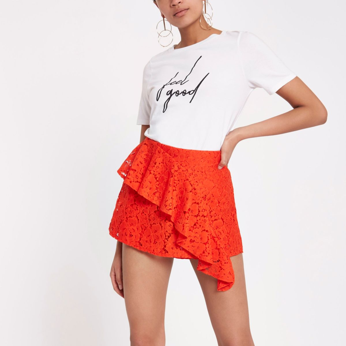 Red lace tiered frill shorts