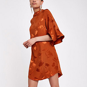 Robe trapèze en jacquard orange à encolure haute