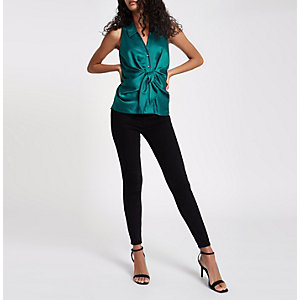 Groen mouwloos overhemd met gedraaide voorkant