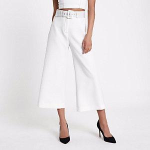 Pantalon large style jupe-culotte blanc à ceinture