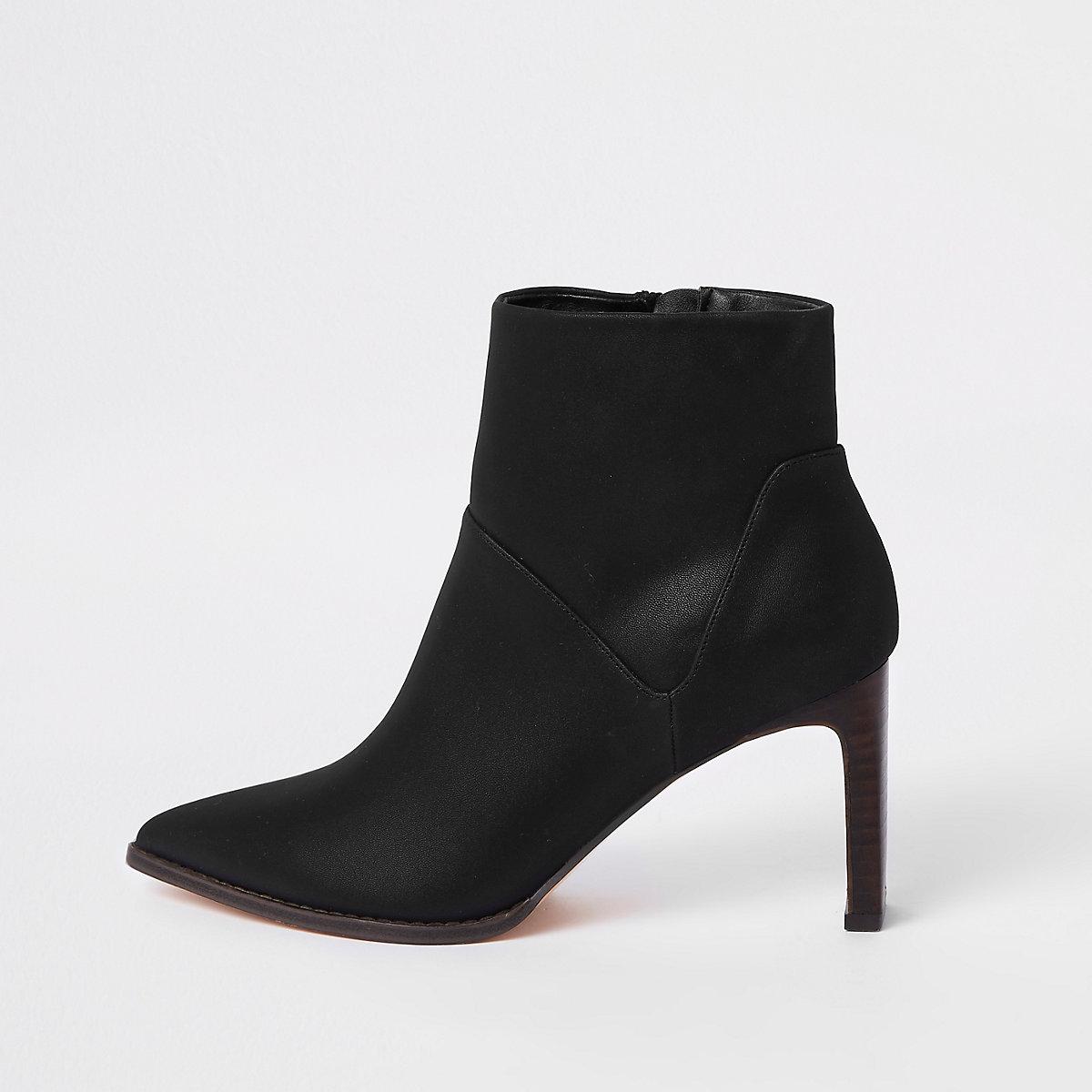 Black pointed slim square heel boots