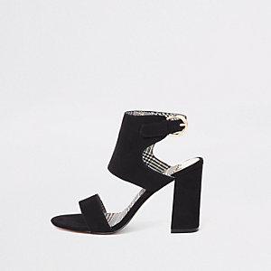 Sandales en suédine noires à talons carrés coupe large