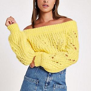 Gele gebreide pullover in bardotstijl
