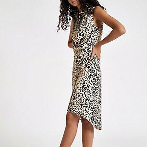 Robe chemise portefeuille blanche à imprimé léopard
