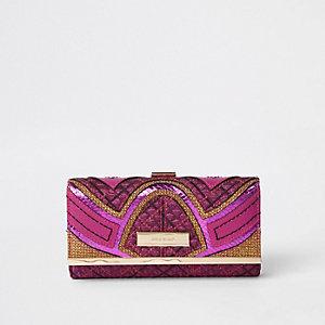 Roze portemonnee met druksluiting en panelen met print