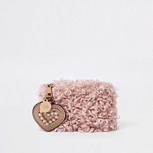 Porte-monnaie pochette rose effet peau de mouton