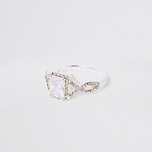 White square cubic zirconia stone ring