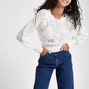 Witte gebreide pullover met naad en lange mouwen