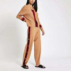 Pantalon de jogging marron ample à boutons-pression sur le côté