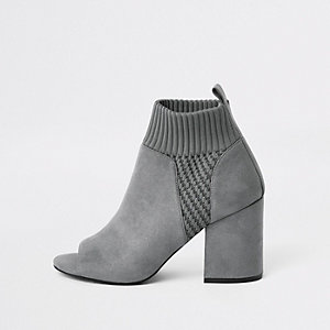 Grey knitted block heel shoe boots