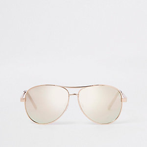 Gold tone aviator sunglasses