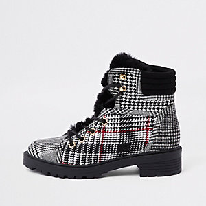 Grey check faux fur tongue lace-up boots