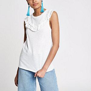 Wit mouwloos T-shirt met losse kraag en ruches