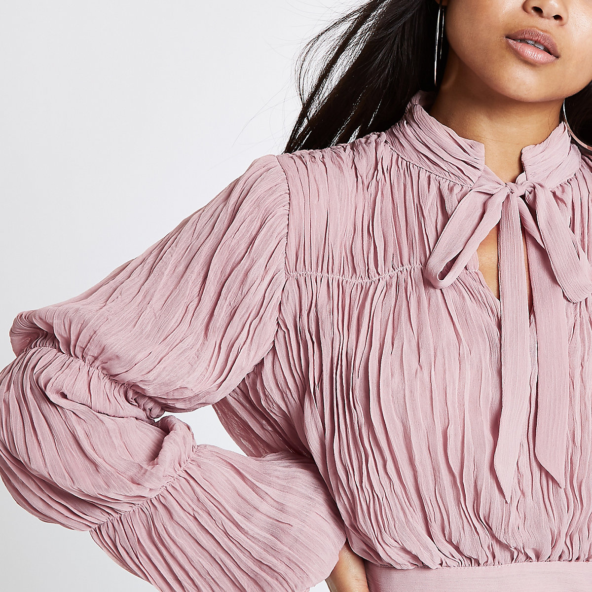 Petite nude pink pleated puff sleeve crop top