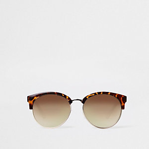 Brown tortoise shell chain arm sunglasses