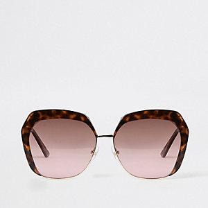Lunettes de soleil glamour motif écaille de tortue marron à verres roses