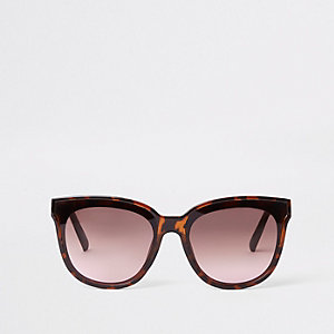 Brown tortoise shell laid on lens sunglasses